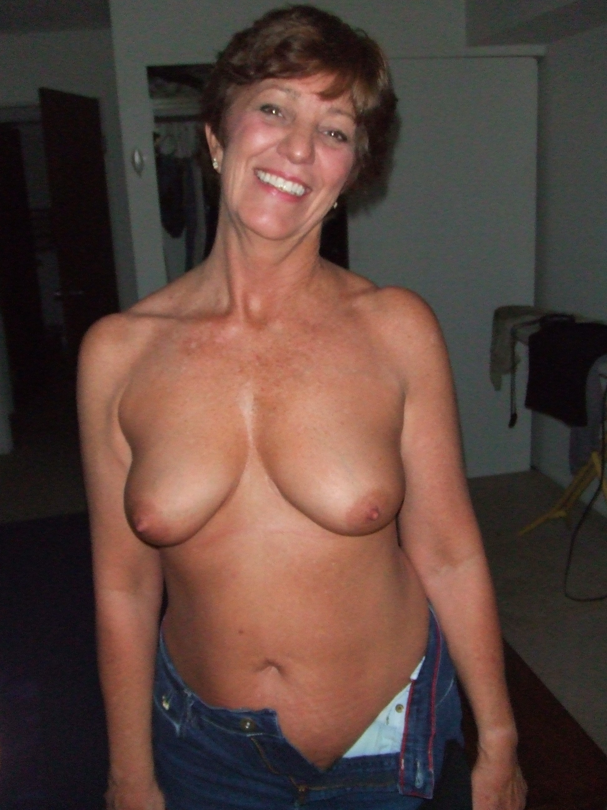 Mature wife showing tits