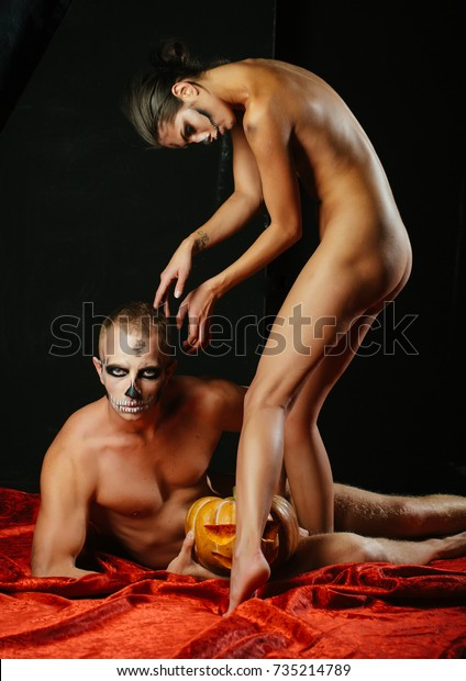 Boy kissing and doing sex with a nude girl
