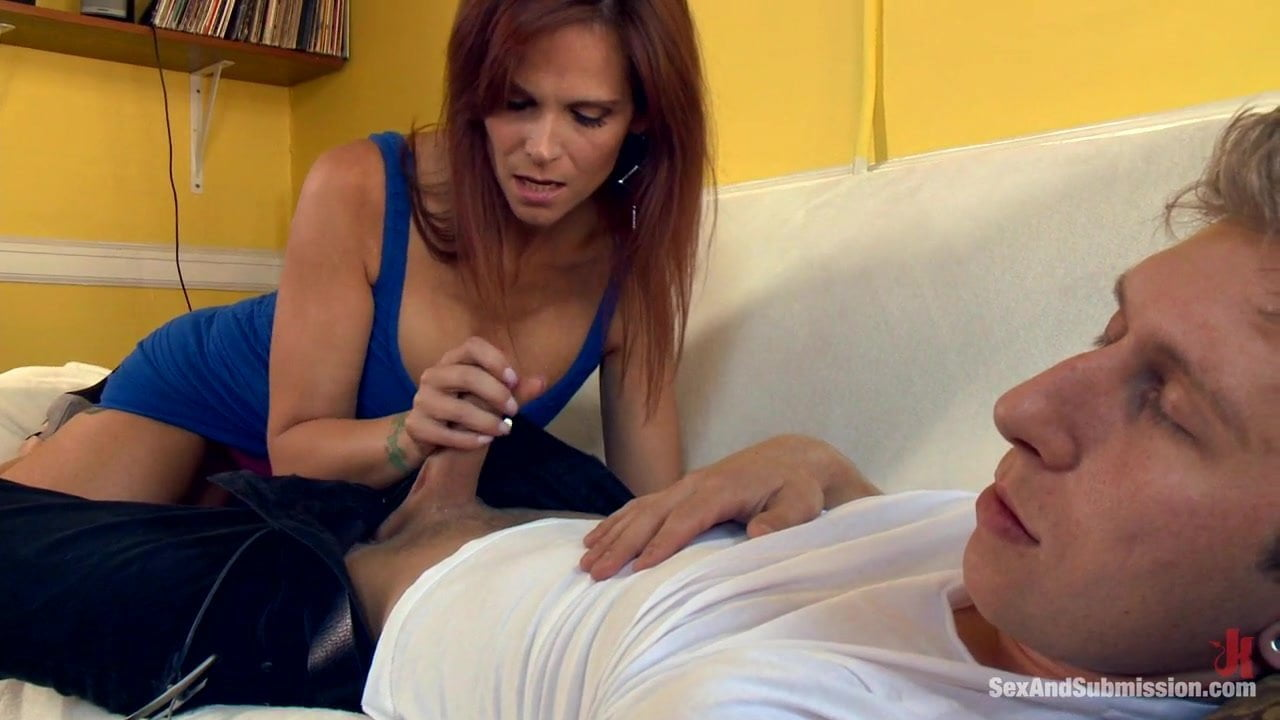 D porn mom and son